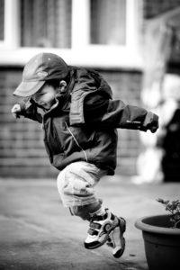 Kind springen
